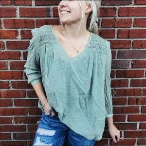 Lucky Brand peasant top Flowy sage green large